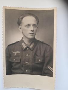 Студийное фото немецкого солдата
