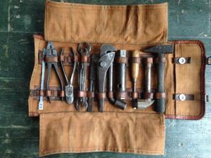 Сумка с инструментами - от чего?