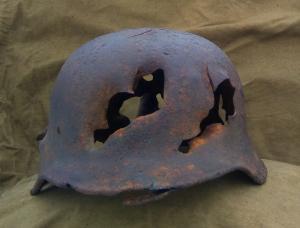 шлем м 40  с осколочными