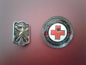 Брошь старшей сестры Красного креста 3 Рейх и знак резервиста Японии