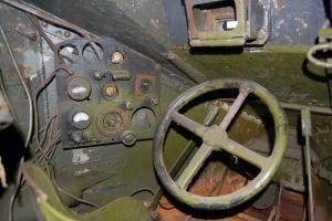 Где в танках БТ, т-60, Т-34, КВ и т.д. размещались часы?