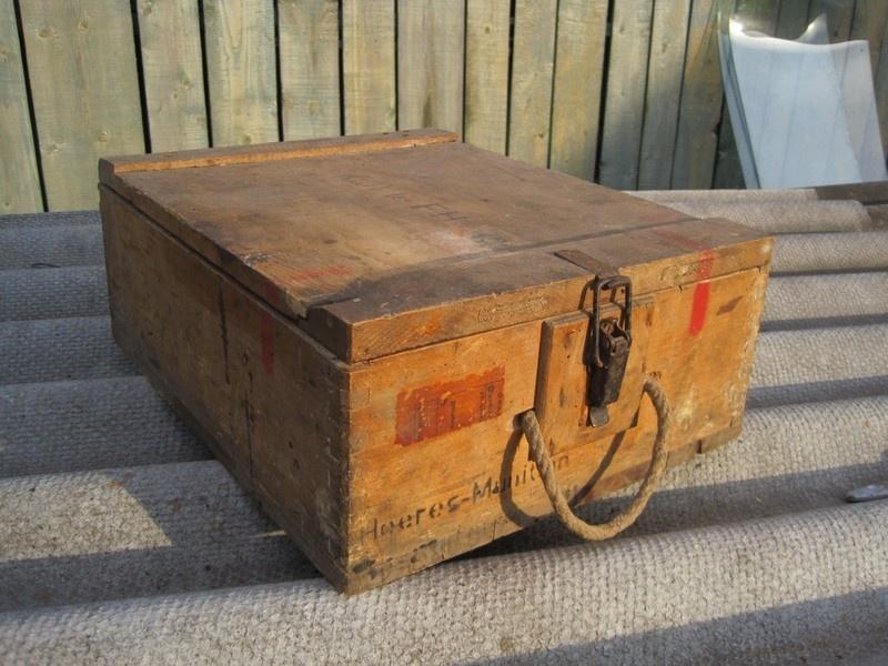 Подскажите по деревянному ящику .