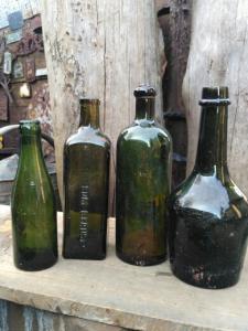 лот бутылок с блиндажа