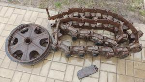 Demag D7 Sd.Kfz.10 - Гусеница 28 траков в сборе, каток задний, масленка