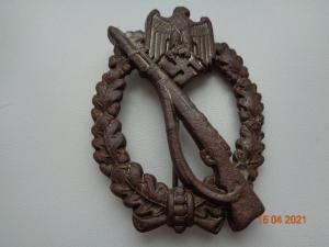 Нагрудный знак «За участие в  штурмовых атаках»