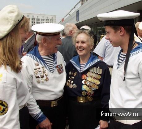Белый берет морской пехоты СССР.