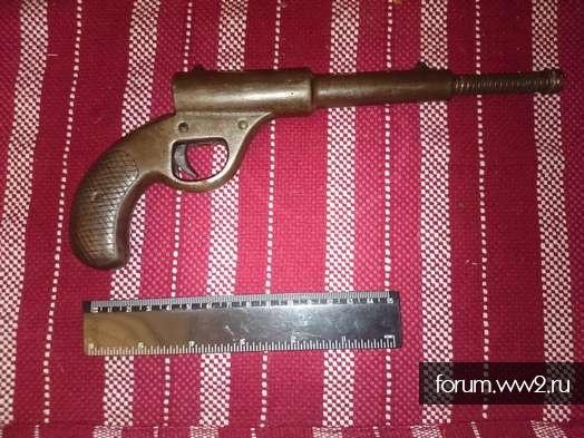 Старый (старинный) пневматический пистолет
