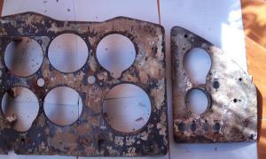 Фанерные панели доски приборов Ил-2 ( ИЛ-10 ?) 2 шт.