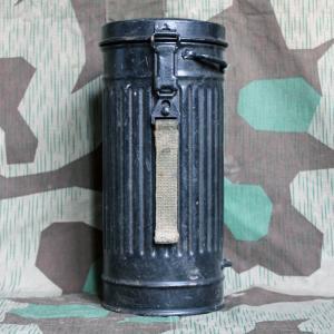 Противогазный футляр, канистра образца 1942 года