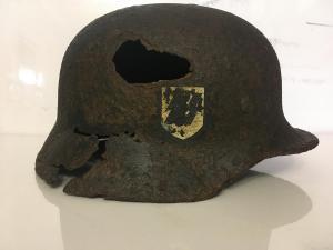Шлем м 40 , СС