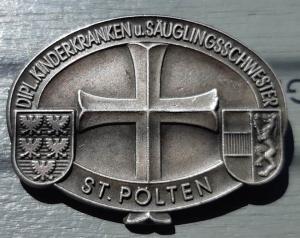 "Знак ""Dipl. kinderkranken u. sauglingsschwester. St.Polten"""