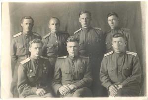 Фотография группы офицеров