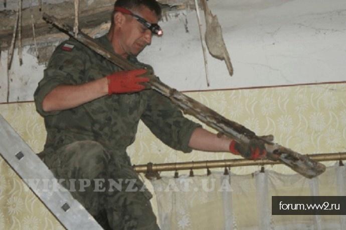 Найденное оружие в крыши церкви