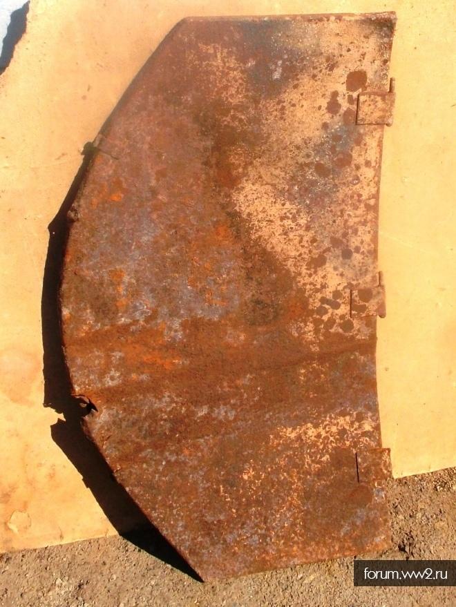 Крышка забашенного ящика Роммеля  танки Т-3 или Т-4.