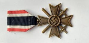 Крест военных заслуг с мечами. 800