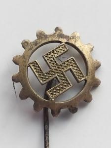 Членский знак DAF.