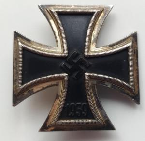 """Железный крест I класса, образца 1939г. Клеймо """"L55""""."""