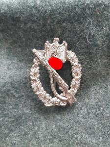 """Штурмовой знак в серебре. Клеймо """"S.H.u.Co. 41""""."""