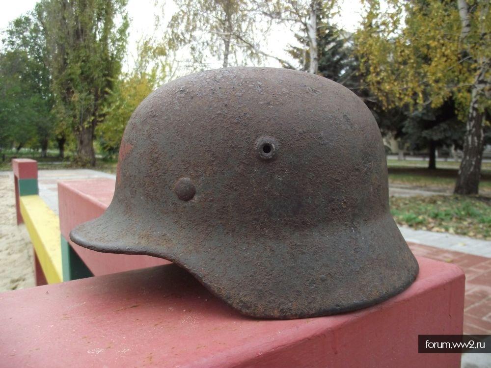 Наши бойцы в немецких шлемах
