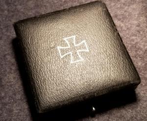 Футляр железного креста 1 класса Wilhelm Deumer K.G.