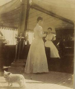 Листы из фотоальбома Е.И.В. Марии Федоровны