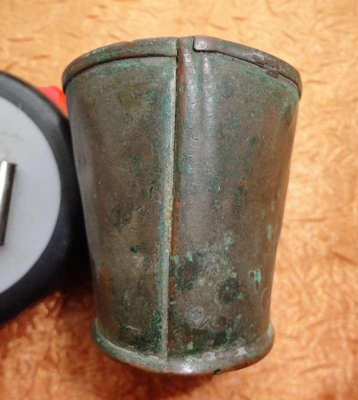 Печать, бляхи пехот., артилл., с гренадами, чарки, ложки, котелок и т.д.