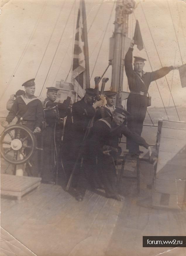Волжская военная флотилия. Постановочное фото.