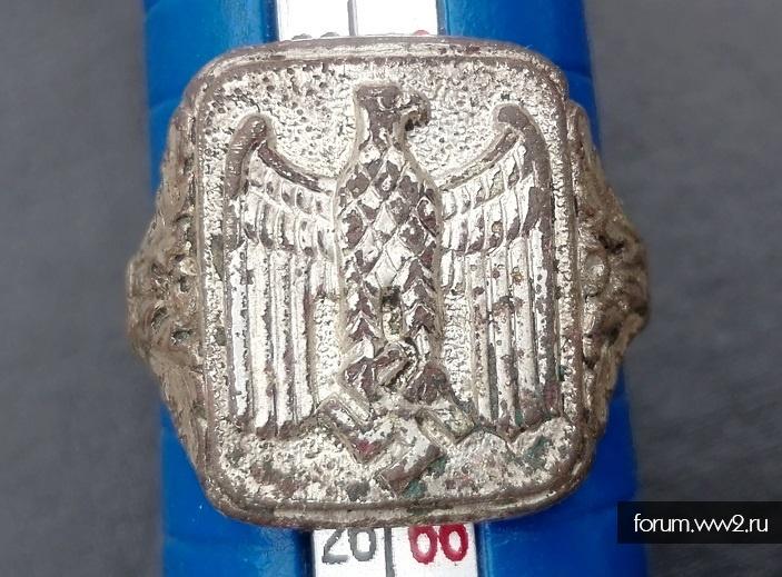 Перстень с орлом Вермахт.