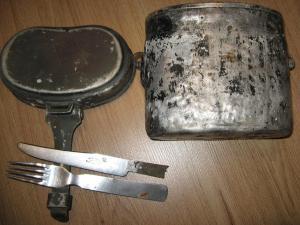 Немецкий котелок+вилка и нож нержава