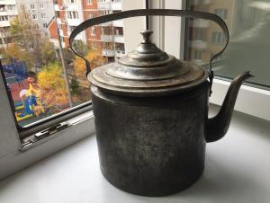 ..чайник 6 литров: август 1941года ,клейма ,латунь.