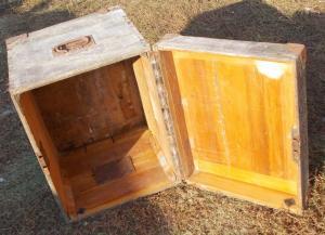 Большой деревянный немецкий ящик или сундук с замком.