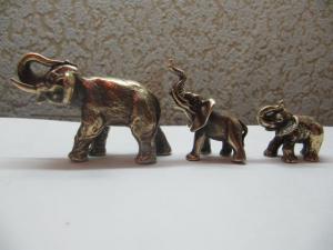 Три слона.Бронза.