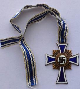 Почётный крест немецкой матери 3 степени.