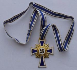 Почётный крест немецкой матери 1 степени.
