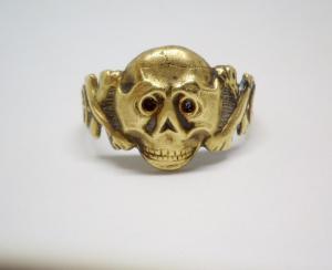 Перстень череп на оригинальность