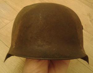 Венгерский шлем М-37 разбитый