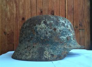 Шлем с остатками зимней покраски