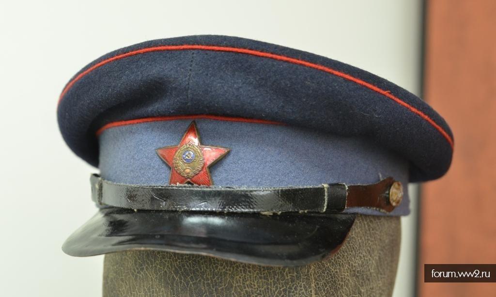 Фуражка РКМ образца 1940  или 1943 года?