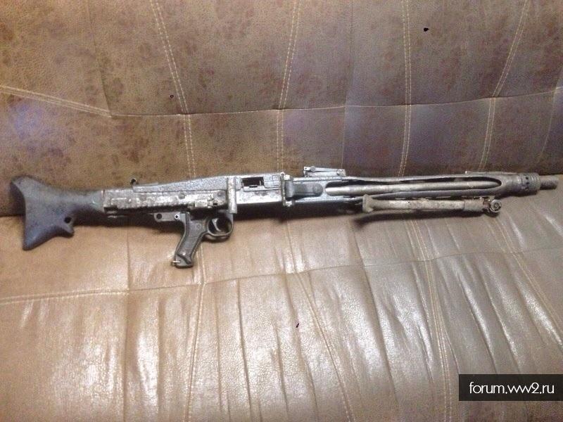 MG42 с осколочными попаданиями